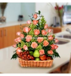 Fruit bowl with pink roses