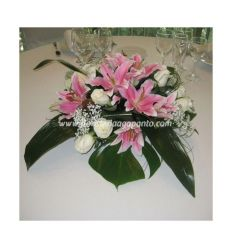 Centerpiece with lilies
